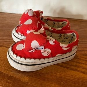 Vans Disney Minnie Mouse slip on's